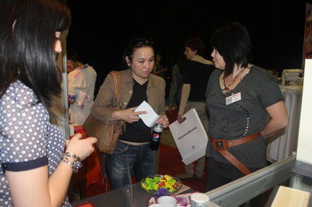 Агентство казинформ фото новости в алматы открылась самая масштабная выставка парфюмерии, косметики и